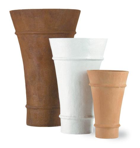 fiberglass planter / high / contemporary