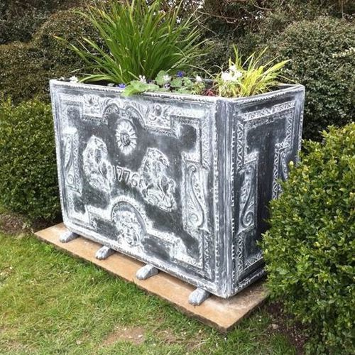 fiberglass planter / rectangular / traditional