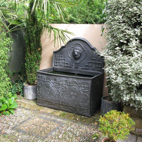 garden fountain / fiberglass / traditional