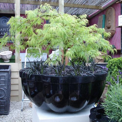 fiberglass planter / contemporary