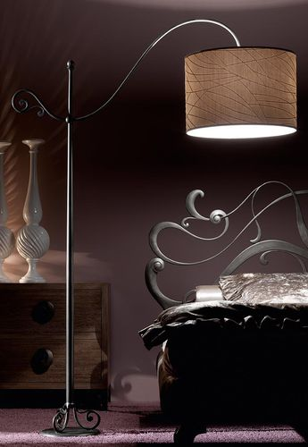 floor lamp / traditional / iron / wrought iron