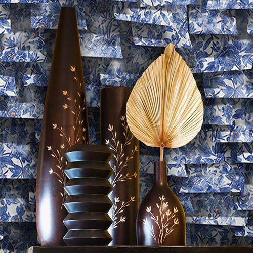 classic wallpaper / vinyl / floral pattern / nature pattern