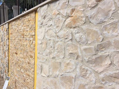 Stone wall cladding / exterior / decorative BLONDE La Clé de Voûte Access