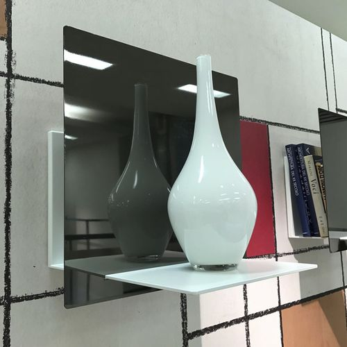 wall-mounted shelf / contemporary / powder-coated steel