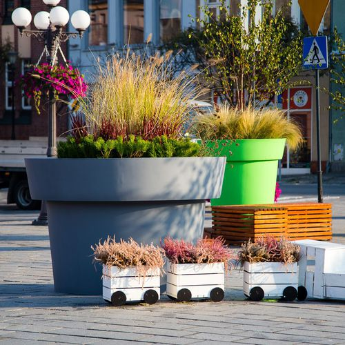 polyethylene planter - Terra Group