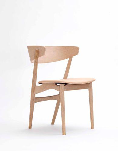 Scandinavian design chair / wool / oak / bentwood