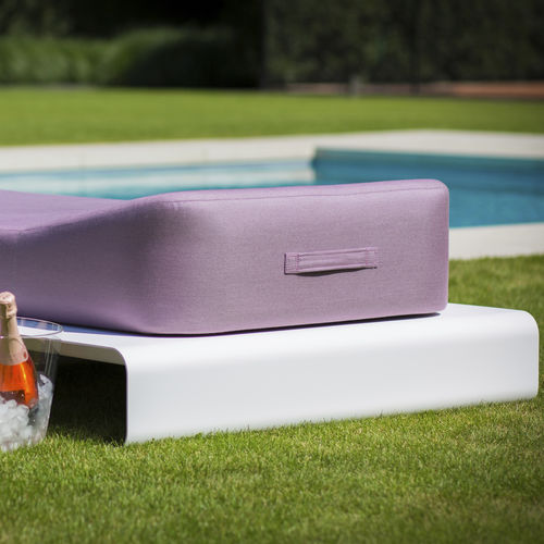 outdoor chaise longue - Mr Blue Sky