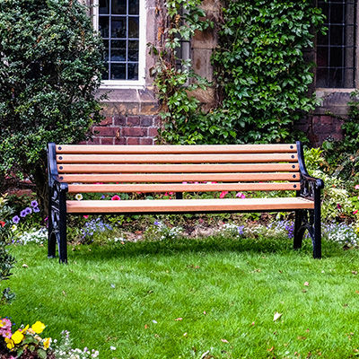 public bench / traditional / cast aluminum / recycled plastic