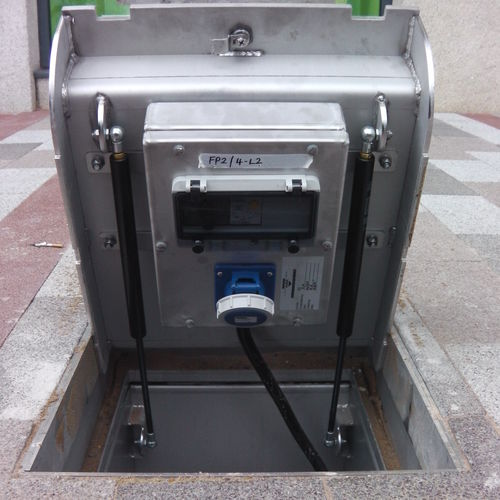 electrical distribution bollard / stainless steel / retractable