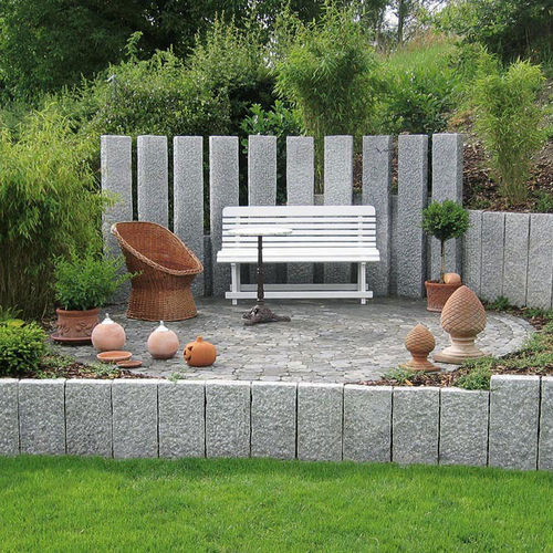 garden fence / natural stone