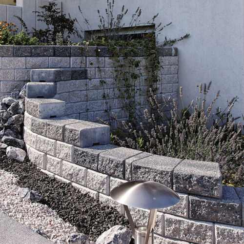 solid concrete block / lightweight / for retaining walls / for garden enclosures