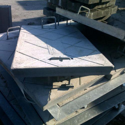 concrete manhole cover / rectangular / prefab