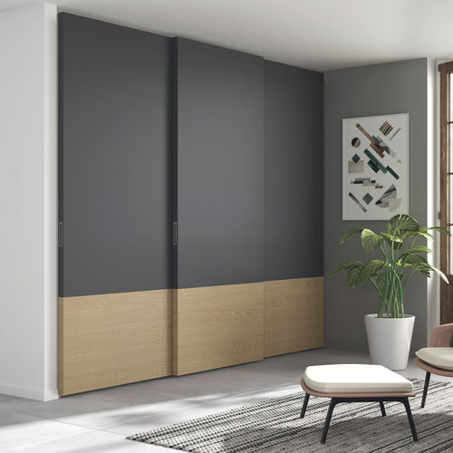 wall-mounted wardrobe / contemporary / lacquered wood / oak