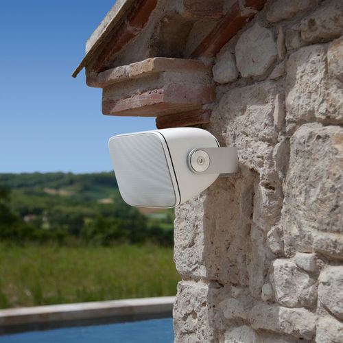 wall-mounted speaker / outdoor