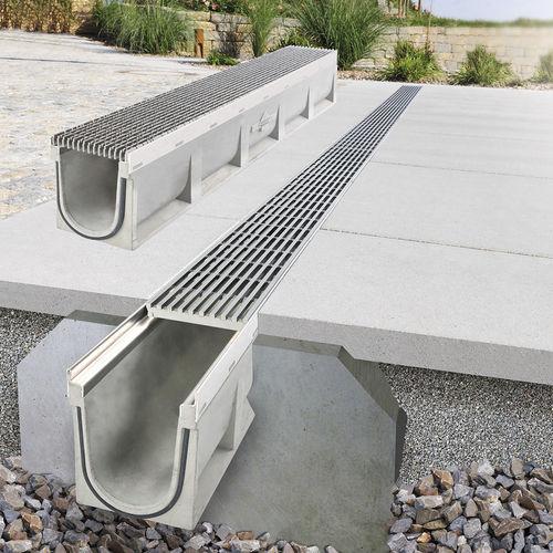 road drainage channel / concrete
