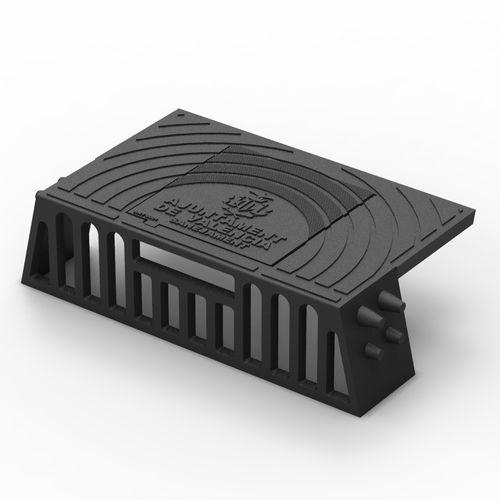street gutter edge / cast iron / rectangular