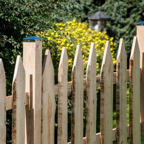 garden fence / bar / wooden