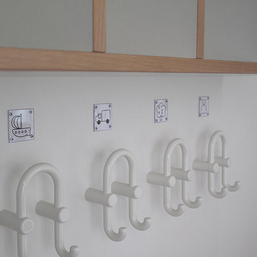 wall-mounted coat rack / contemporary / beech / kindergarten