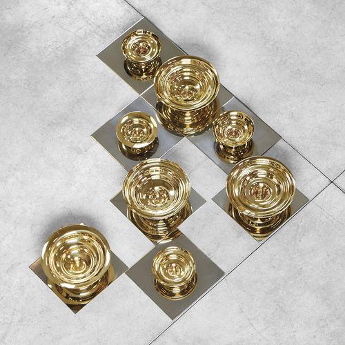 stainless steel centerpiece / brass