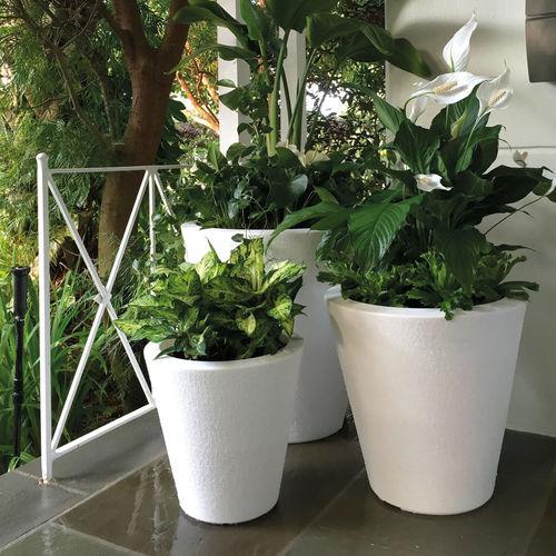plastic garden pot / round / conical