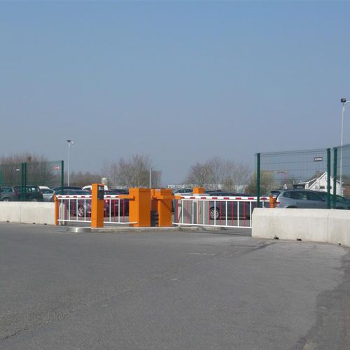 access control barrier / boom / galvanized steel / for public spaces