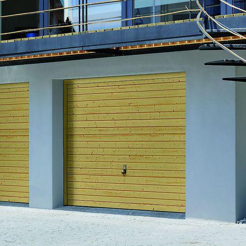 tilting garage door / solid wood / automatic