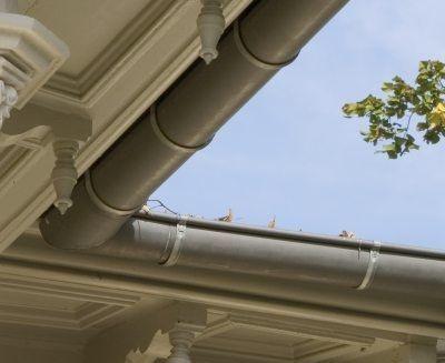 Semicircular roof gutter   VMZINC