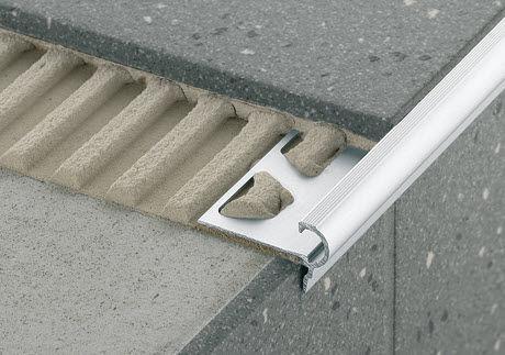steel stair nosing / non-slip