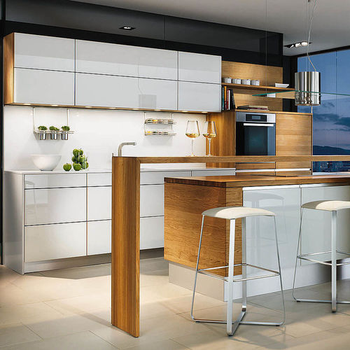 contemporary kitchen / glass / maple / cherrywood