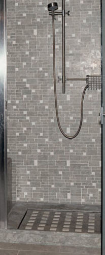 square shower base / marble