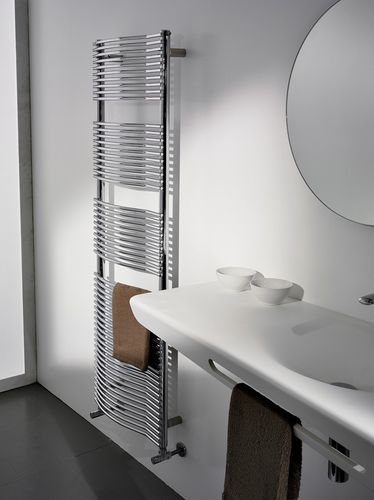 Hot water towel radiator / vertical / carbon steel / wall-mounted VIRGOLA Antrax IT