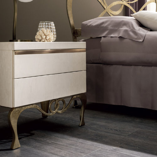 traditional bedside table / wooden / rectangular / with drawer