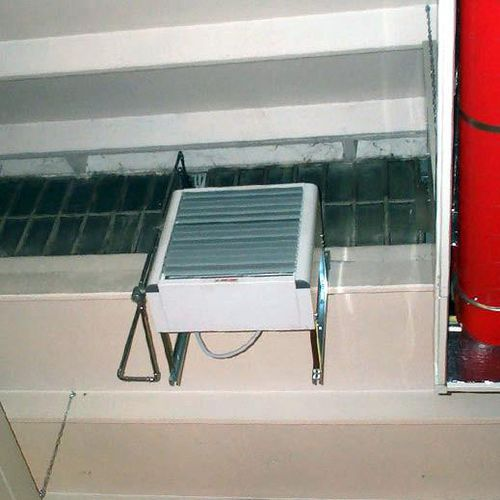 extractor fan / wall-mounted / industrial / commercial