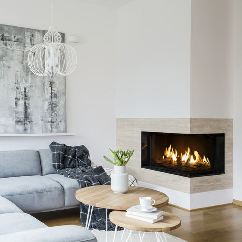 gas fireplace / contemporary / closed / corner