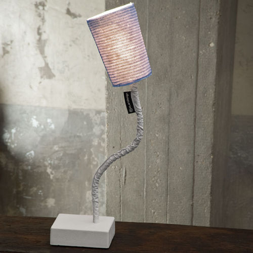 Table lamp / contemporary / cast iron / steel TRAME : PAINT T STRIPE in-es artdesign