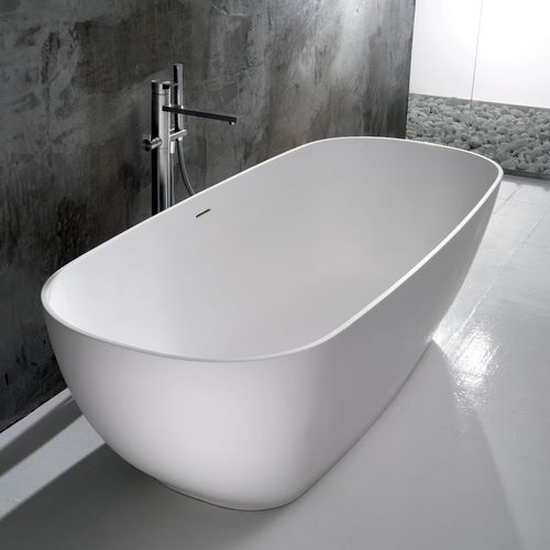 freestanding bathtub / oval / ceramic
