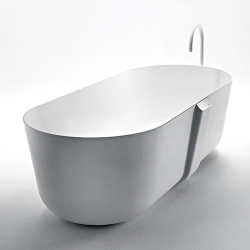 free-standing bathtub / oval / ceramic