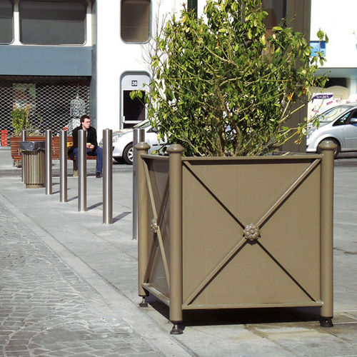 steel planter / galvanized steel / square / traditional