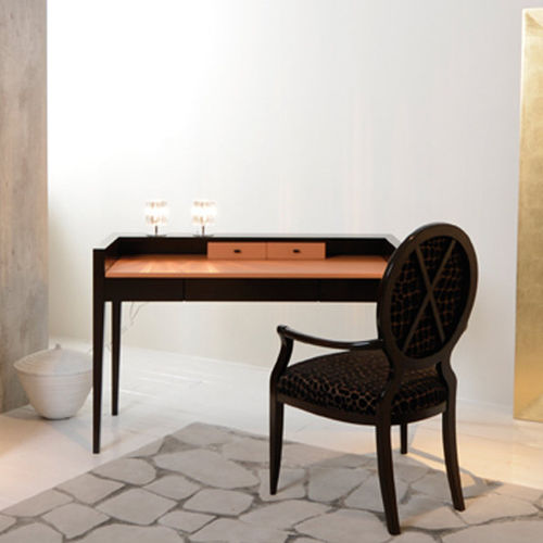 wooden desk / traditional