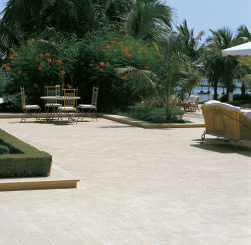 outdoor tile / for floors / porcelain stoneware / rectangular