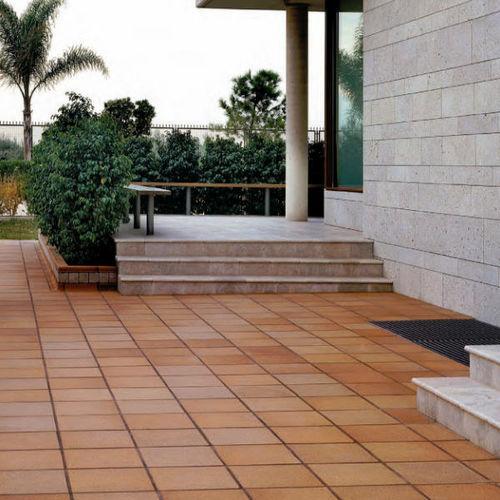 outdoor tile / floor / ceramic / clinker