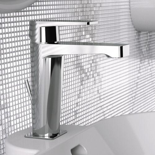 washbasin mixer tap / chromed metal / chrome-plated brass / bathroom