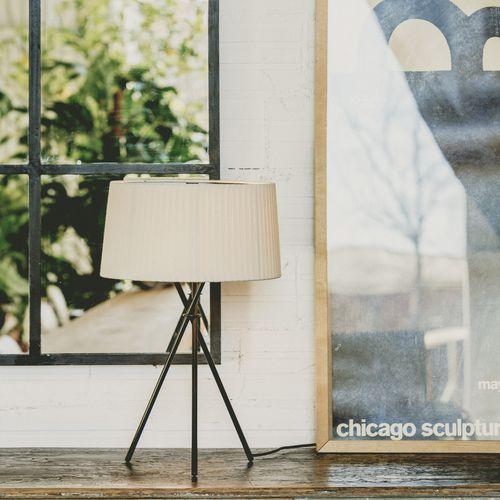 Table lamp / contemporary / metal / fabric TRÍPODE M3 / TRÍPODE G6 by Santa & Cole Team Santa & Cole