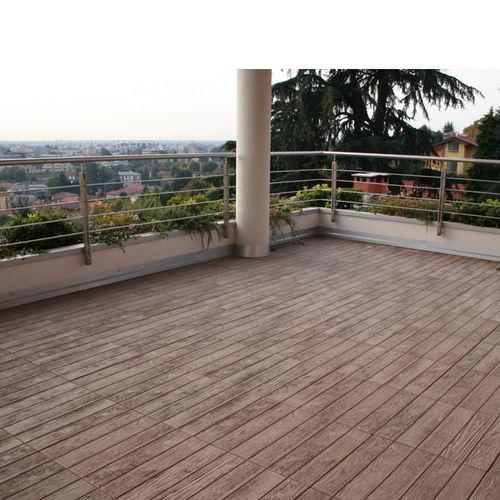 concrete paving slab / engineered stone / pedestrian / outdoor