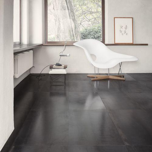 indoor tile / floor / steel / square