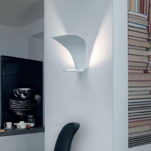 original design wall light - Oluce