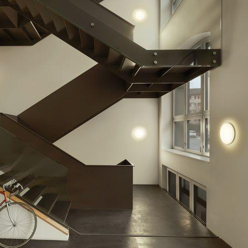 contemporary wall light / outdoor / cast aluminum / polycarbonate