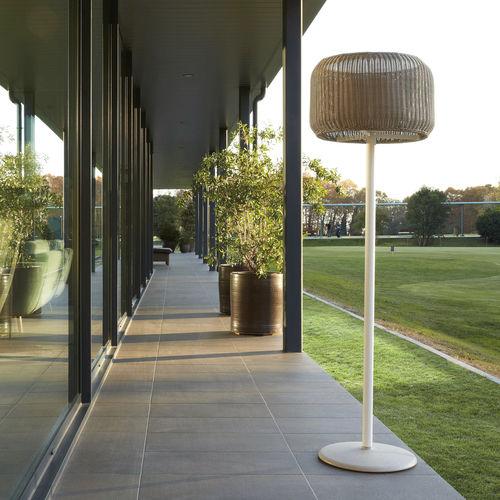 Floor-standing lamp / contemporary / aluminum / cast iron FORA PIE by Alex Fernández Camps & Gonzalo Milà BOVER Barcelona