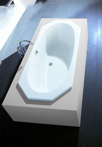 Acrylic bathtub ARMADA: 6169 HOESCH Design