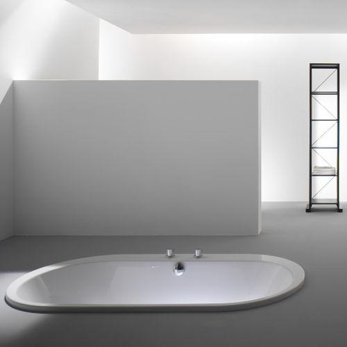 oval bathtub / acrylic / whirlpool